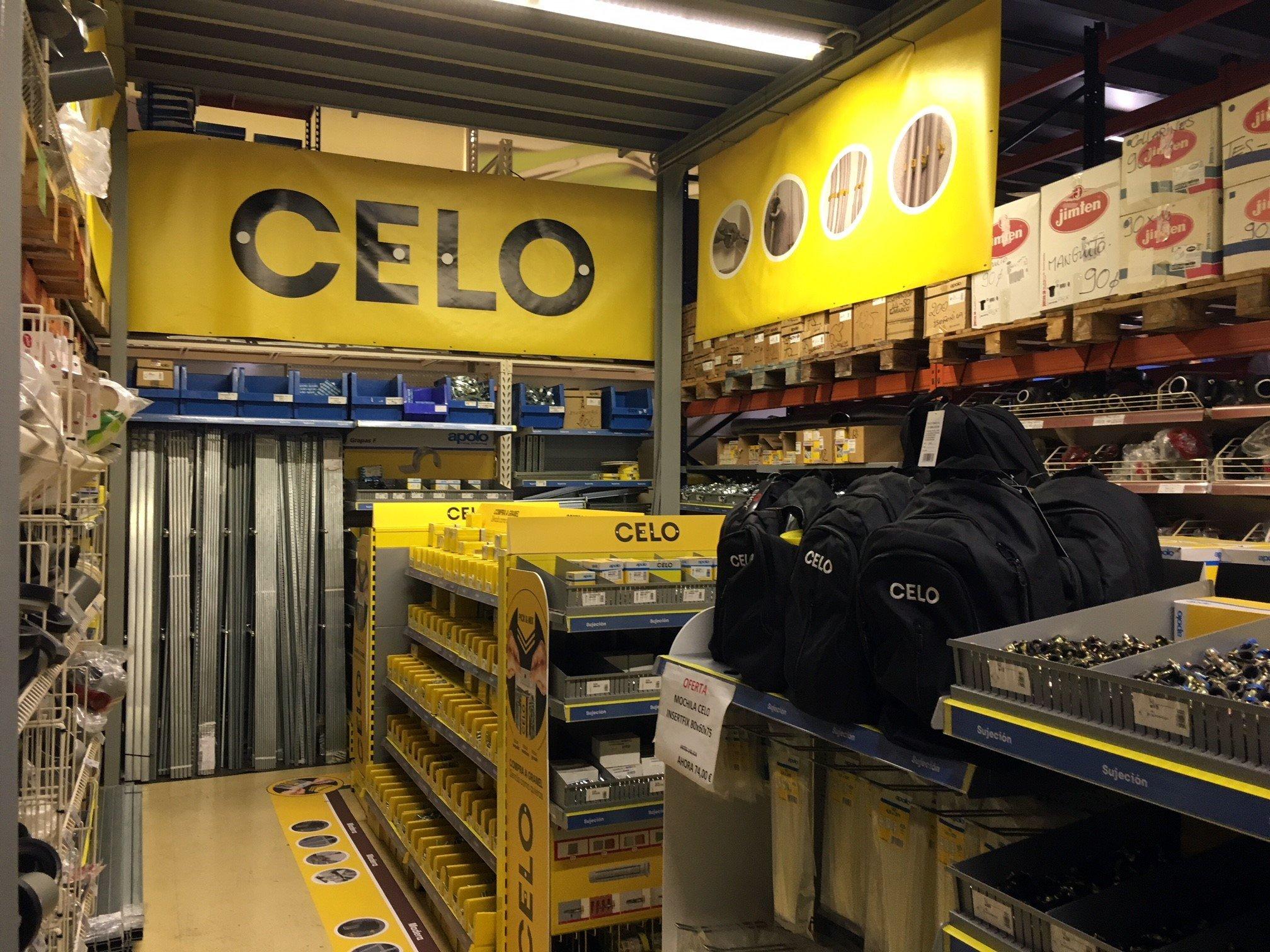 Expositor tornillos CELO Fixings a granel
